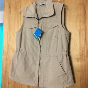 NWT Columbia World Trekker Vest